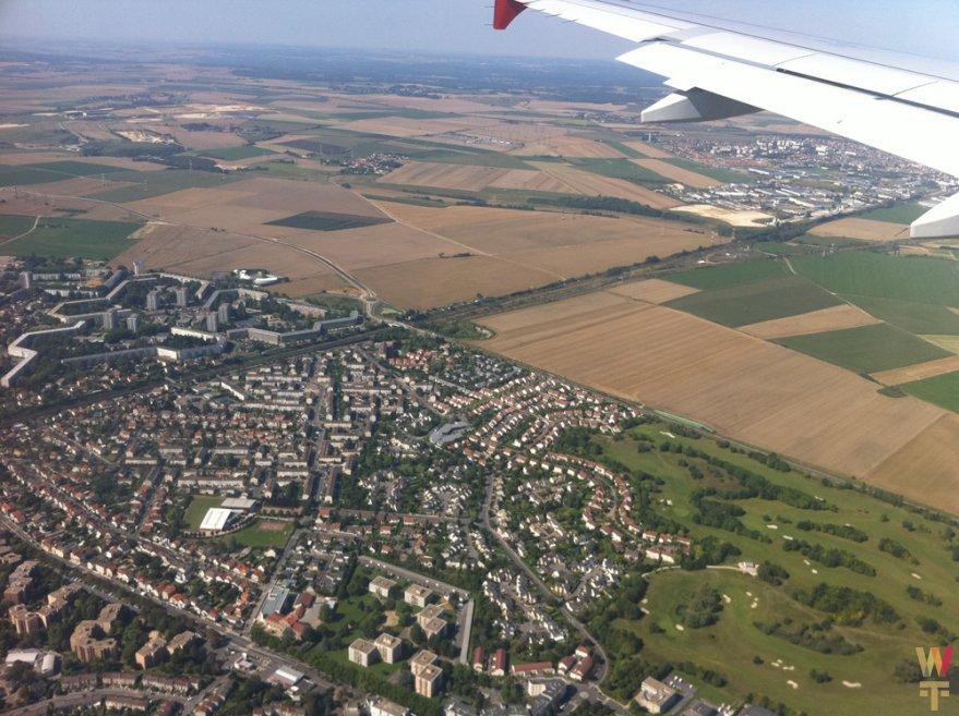 Подлетая к Парижу